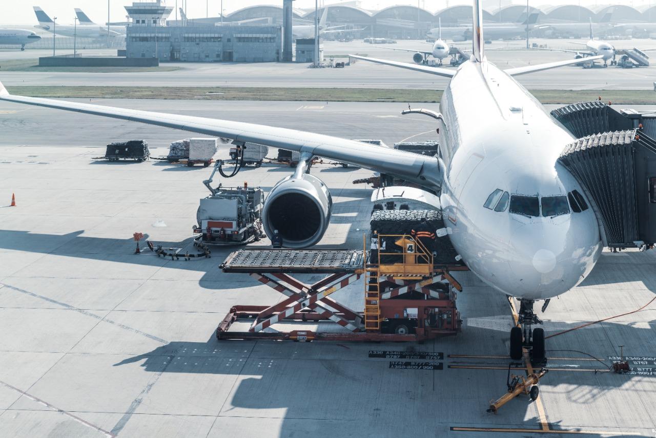 Vantagens do transporte aéreo de cargas